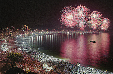 http://www.brasilazul.com.br/imagensBAZ/Reveillon-Rio-Conventio.jpg